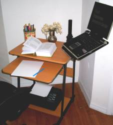 5806 computer desk with laptop arm